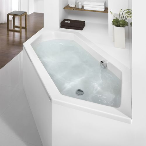 acrylic bathtub