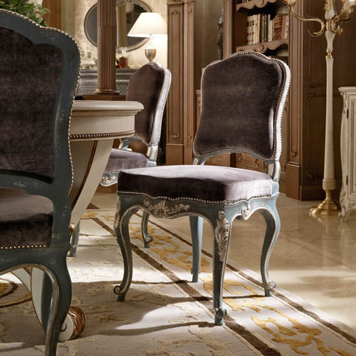 traditional chair / upholstered / standard base / fabric