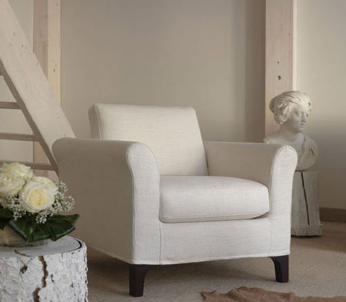 traditional armchair / fabric / with washable removable cover