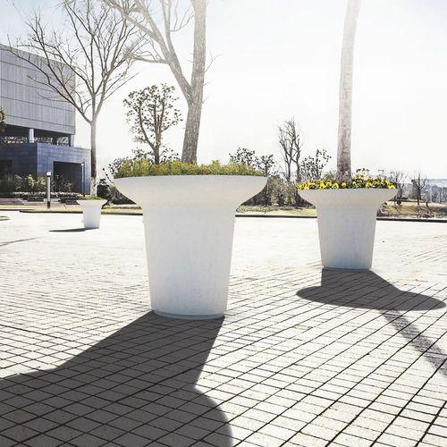 wooden planter / stone / round / contemporary