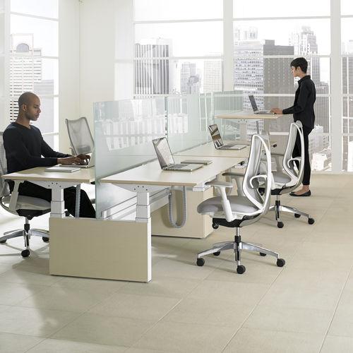 Workstation HEIGHT ADJUSTABLE BENCH Teknion