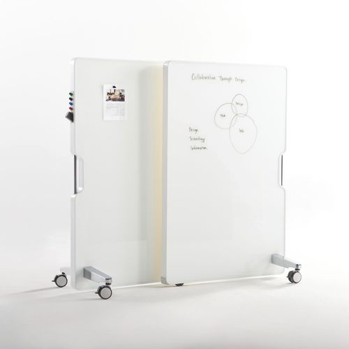 white board / freestanding / on casters