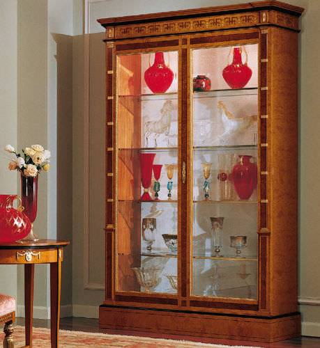 Empire style display case / ash
