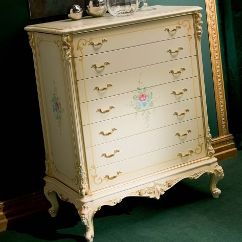 classic chiffonier / lacquered wood / beige
