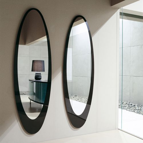 wall-mounted mirror / contemporary / oval / lacquered wood