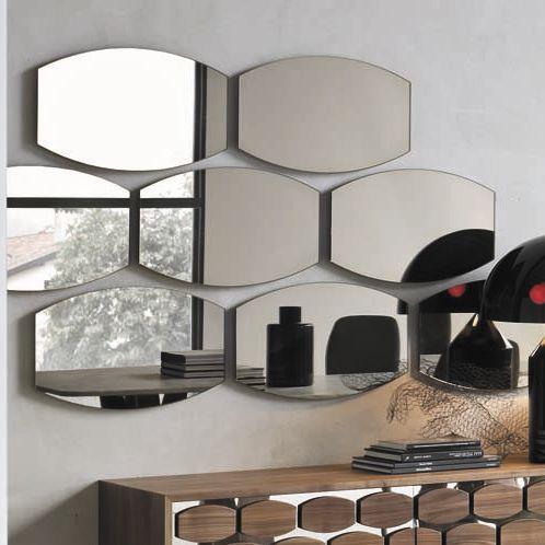 wall-mounted mirror / contemporary