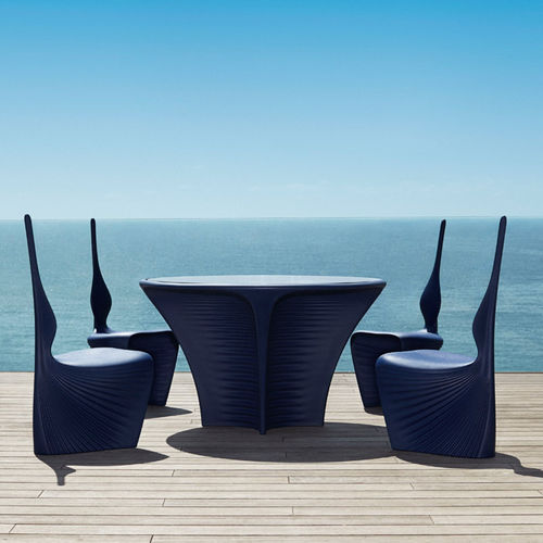 organic design table / rotomolded polyethylene / round / garden
