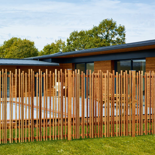 garden fence / for green spaces / louvered / wooden