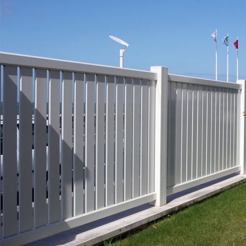 garden fence / louvered / aluminum / stained