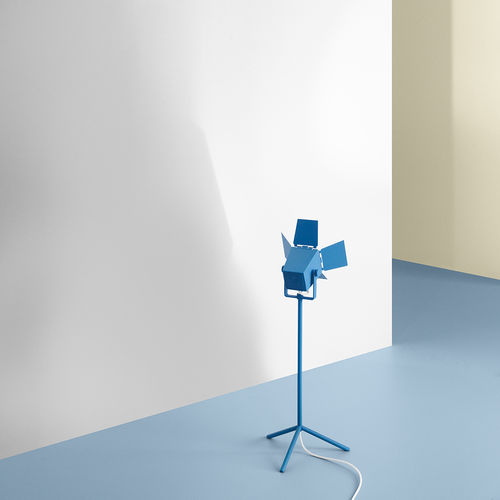 Table lamp / original design / cast aluminum / painted steel FOTO by Thomas Bernstrand & Mattias Ståhlbom ZERO
