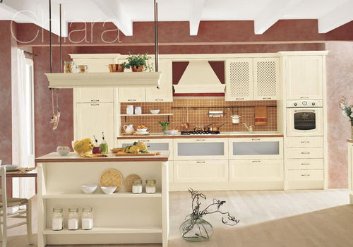 traditional kitchen / wooden / island / with handles