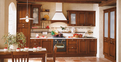 traditional kitchen / solid wood / wooden / with handles