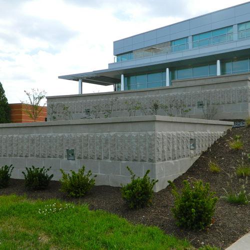stone look concrete block / solid / for garden enclosures / for walls