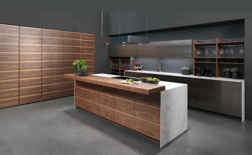 contemporary kitchen / walnut / marble / stainless steel