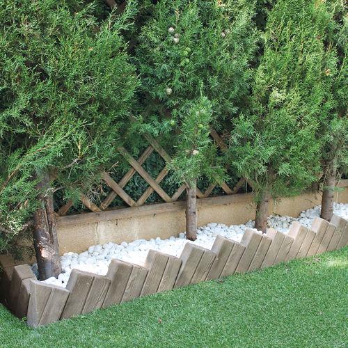 garden edging / concrete / corner