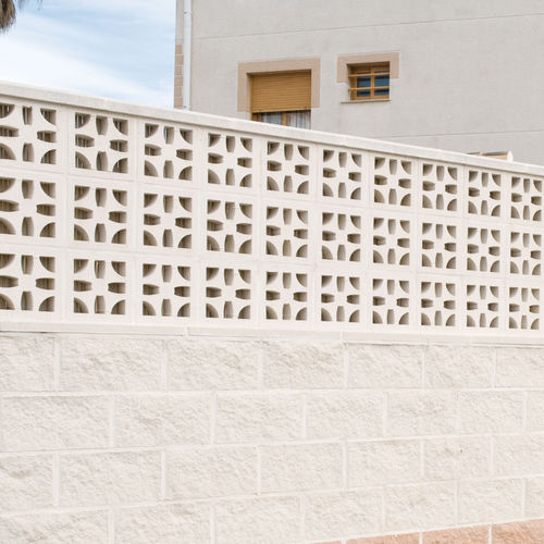 Concrete screen wall / patio / garden MALTA Verniprens