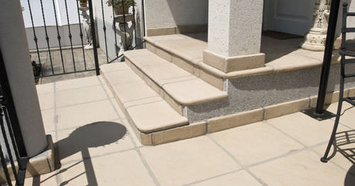 Concrete baseboard ESCORIAL Verniprens