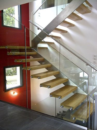 straight staircase / half-turn / wooden steps / stainless steel frame