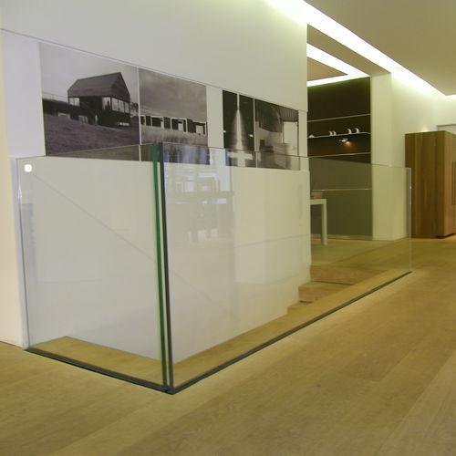 glass railing / glass panel / indoor / outdoor