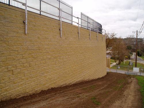 Stone retaining wall / modular Groundtechgeo