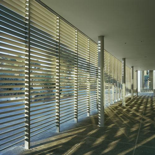 terracotta solar shading / for facades / vertical
