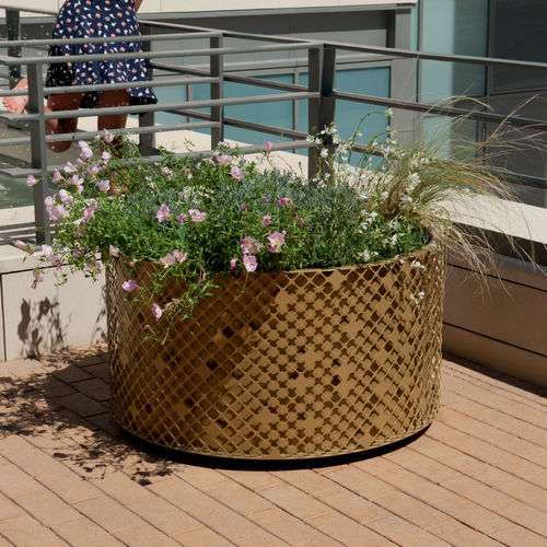 steel planter / round / contemporary / for public spaces