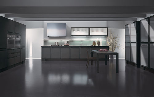 contemporary kitchen / wood veneer / solid wood / with integrated handle