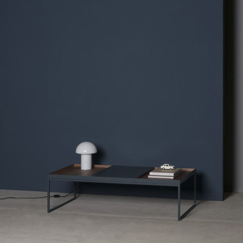 Contemporary coffee table / oak / walnut / lacquered MDF TRAY by Antoni Arola KENDO MOBILIARIO