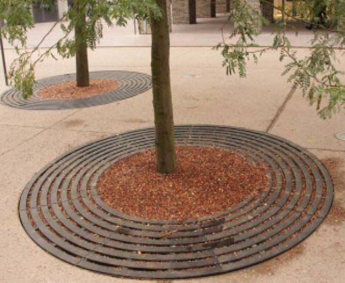 cast iron tree grate / round