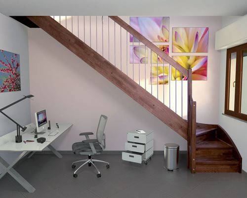 Quarter-turn staircase / wooden steps / lateral stringer / with risers TULIPANO H  New Living srl