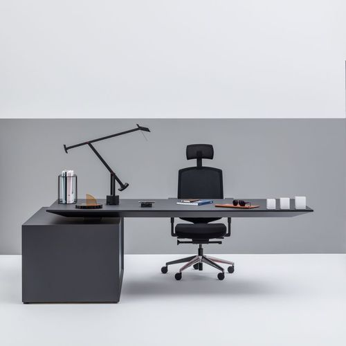 executive desk / wooden / contemporary / for hotels