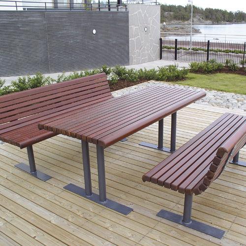 traditional table / pine / steel / rectangular