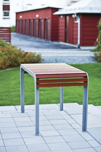 Scandinavian design table / wooden / rectangular / outdoor