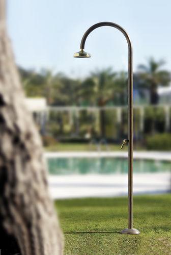 copper outdoor shower - Fontealta