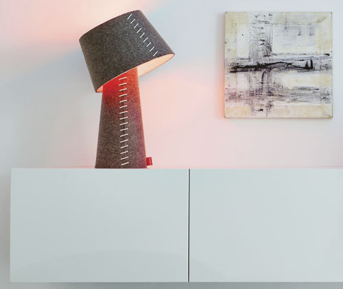 Table lamp / Scandinavian design / felt / LED ALICE MOREE