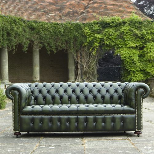 Chesterfield sofa / fabric / leather / for hotels