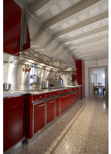 contemporary kitchen / stainless steel / with handles