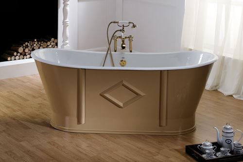 free-standing bathtub / oval / cast iron