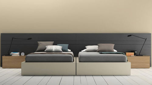 Double bed / contemporary / with headboard / integrated bedside table D8  VIVE - MUEBLES VERGE S.L.