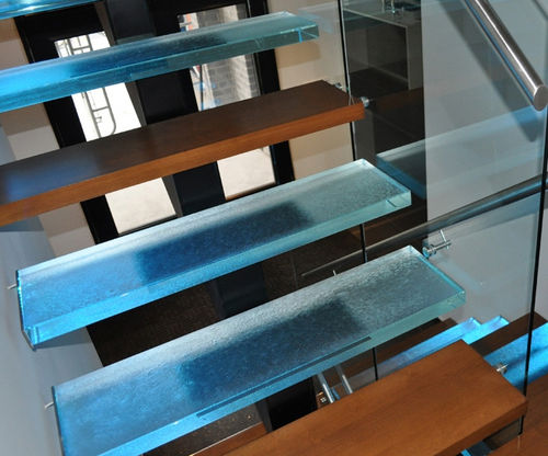 Straight staircase / quarter-turn / half-turn / glass steps STEP OUT OF THE ORDINARY ThinkGlass
