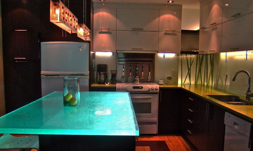 Kitchen counter / glass / upright / illuminated ISLAND LIGHT ThinkGlass