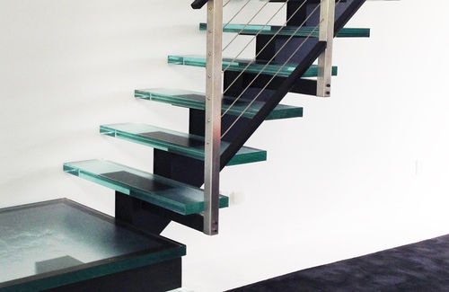 Glass step / integrated LED STUDIO GLASS STAIRS AND LED ThinkGlass