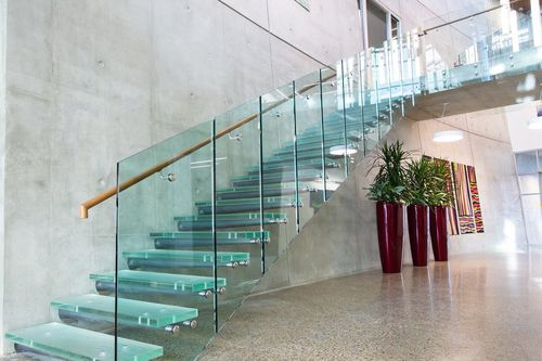 Straight staircase / glass steps / metal frame / without risers ThinkGlass