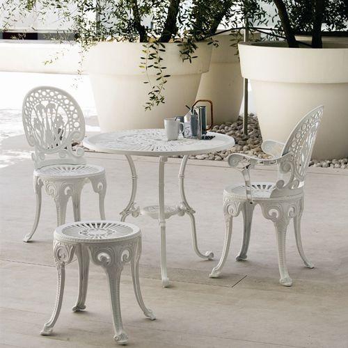 traditional stool / aluminum / garden