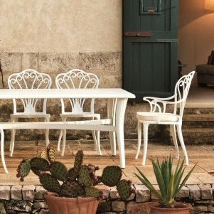 traditional chair / with armrests / metal / aluminum