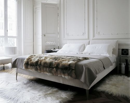 double bed / contemporary / solid wood / by Antonio Citterio