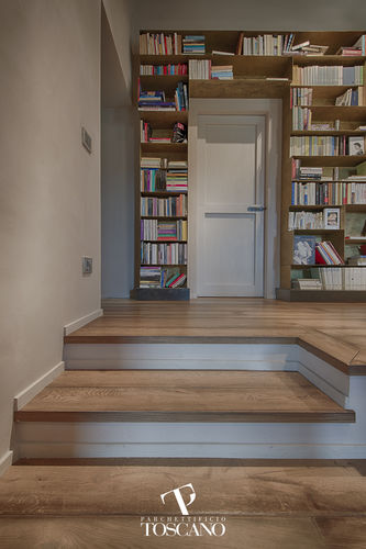Straight staircase / wooden steps / wooden frame / with risers ENGLIS STYLE  Parchettificio Toscano Srl