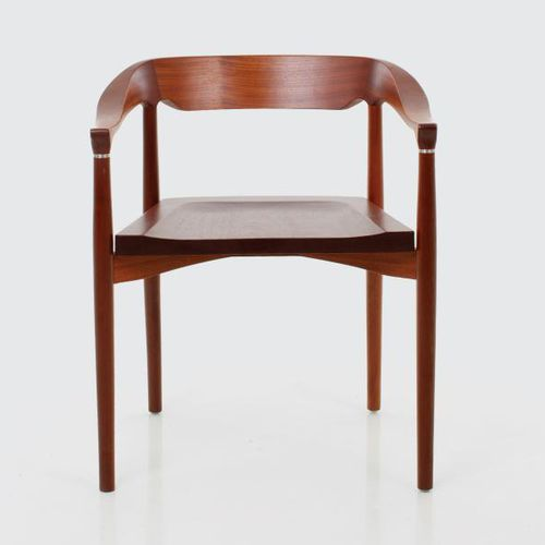 contemporary chair / with armrests / wooden