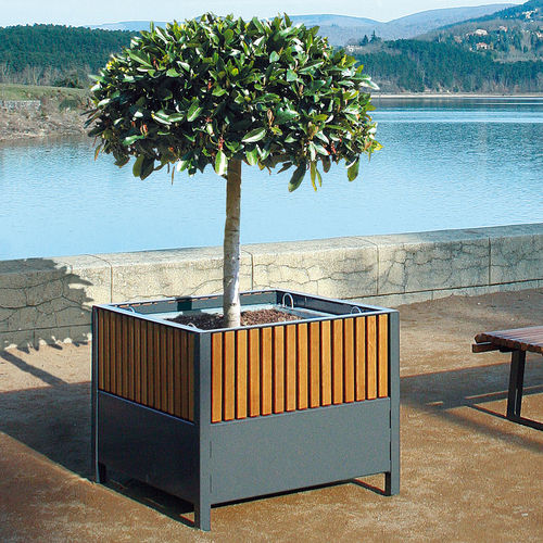 Steel planter / square / contemporary / for public spaces TIMÉO ACCENTURBA