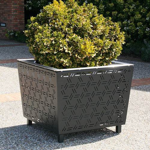 Steel planter / square / contemporary / for public areas GIRO by Agence PBO Design ACCENTURBA